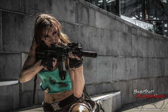 lara croft tomb raider III Cosplay 3