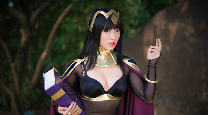Awesome Gaming Cosplay: Disciples II, League of Legends, World of Warcraft, Mortal Kombat, Fire Emblem: Awakening