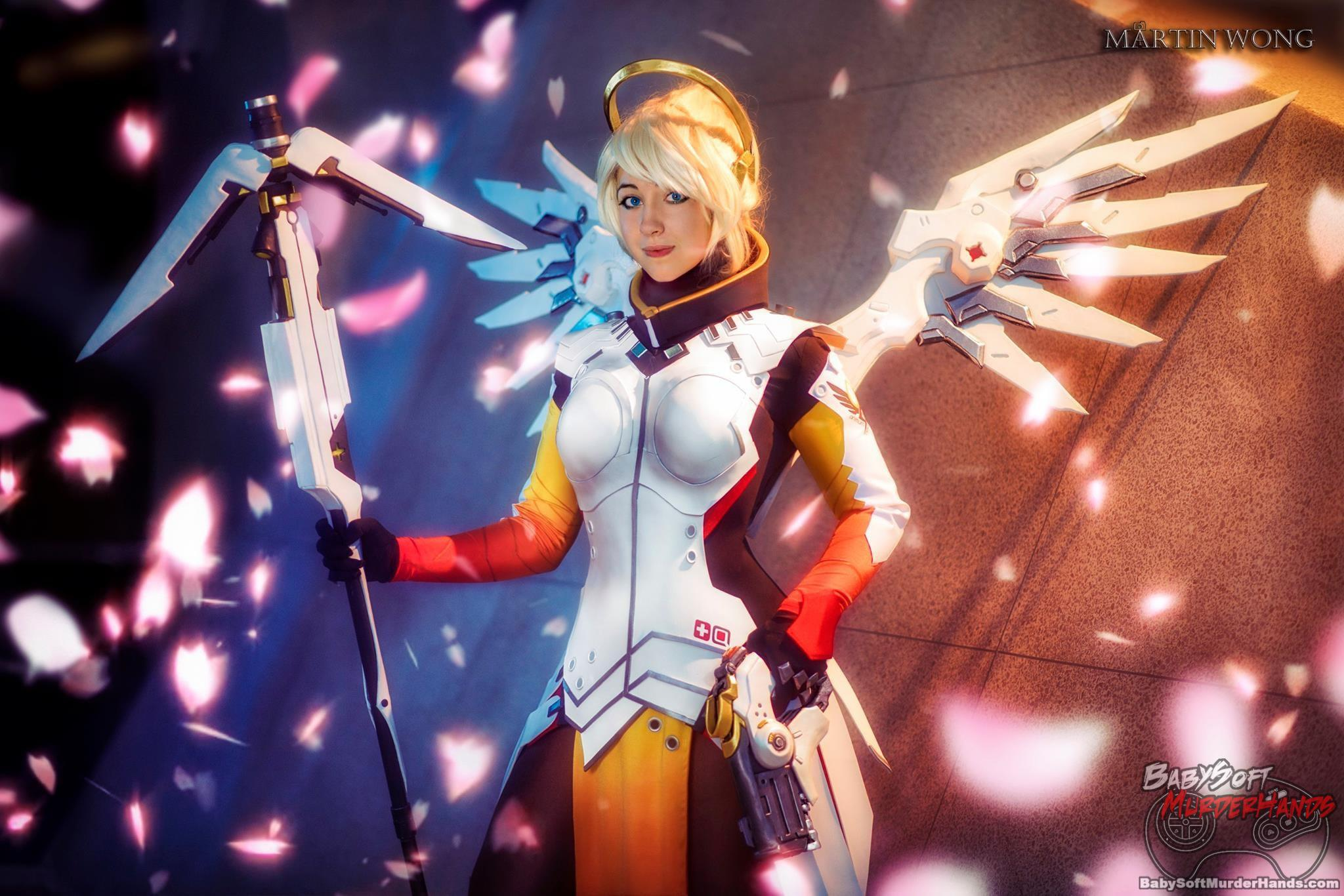 Oshley Mercy of Overwatch Cosplay
