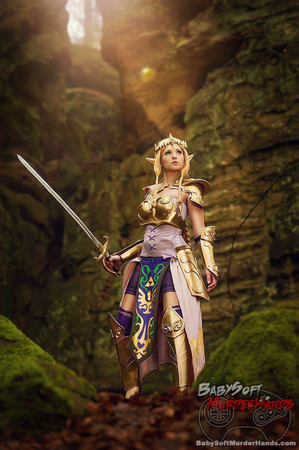 Sarah Strife (Rising Sun Cosplay) Zelda of Link (The Legend of Zelda: Hyrule Warriors) cosplay armor sword triforce